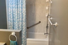 8b_bathroom_5